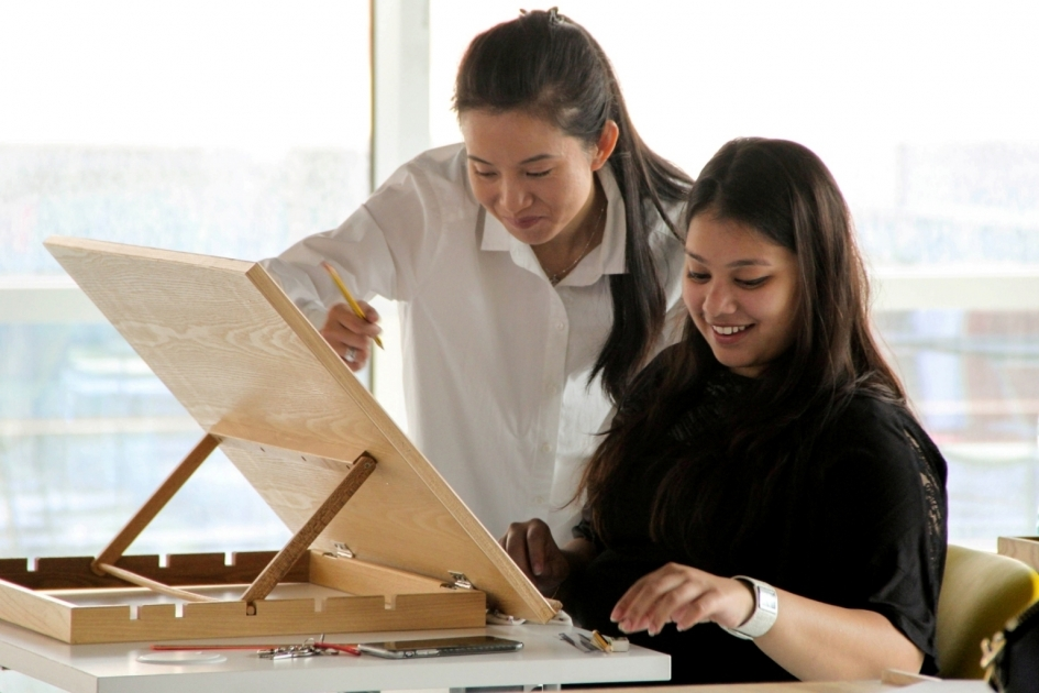 Fourzone Decor And College Of Fashion Design Team Up For Apparel Design Project