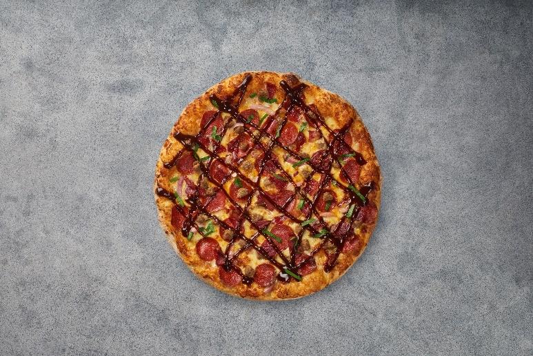 بيتزا هت تقدم بيتزا سان فرانسيسكو مع عجينة فاخرة مصنوعة يدويا لأول مرة على مستوى العالم في دولة الإمارات